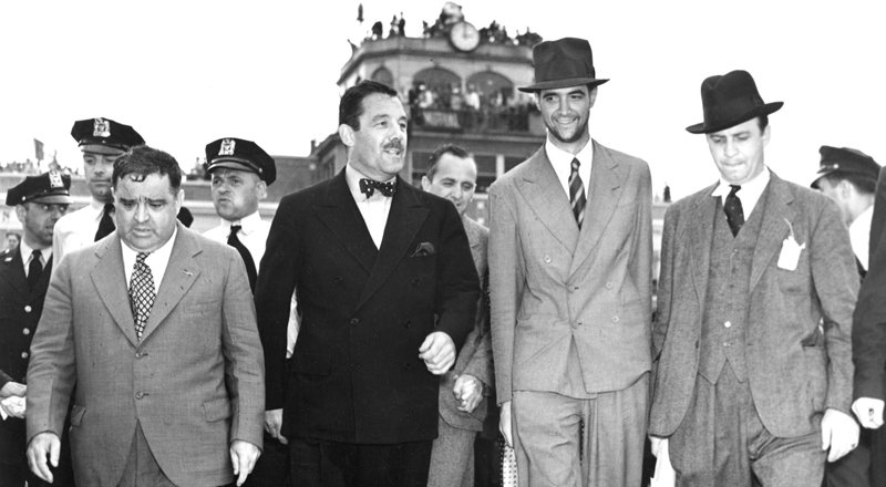 TWA owner Howard Hughes and NY mayor Fiorello La Guardia in 1939.