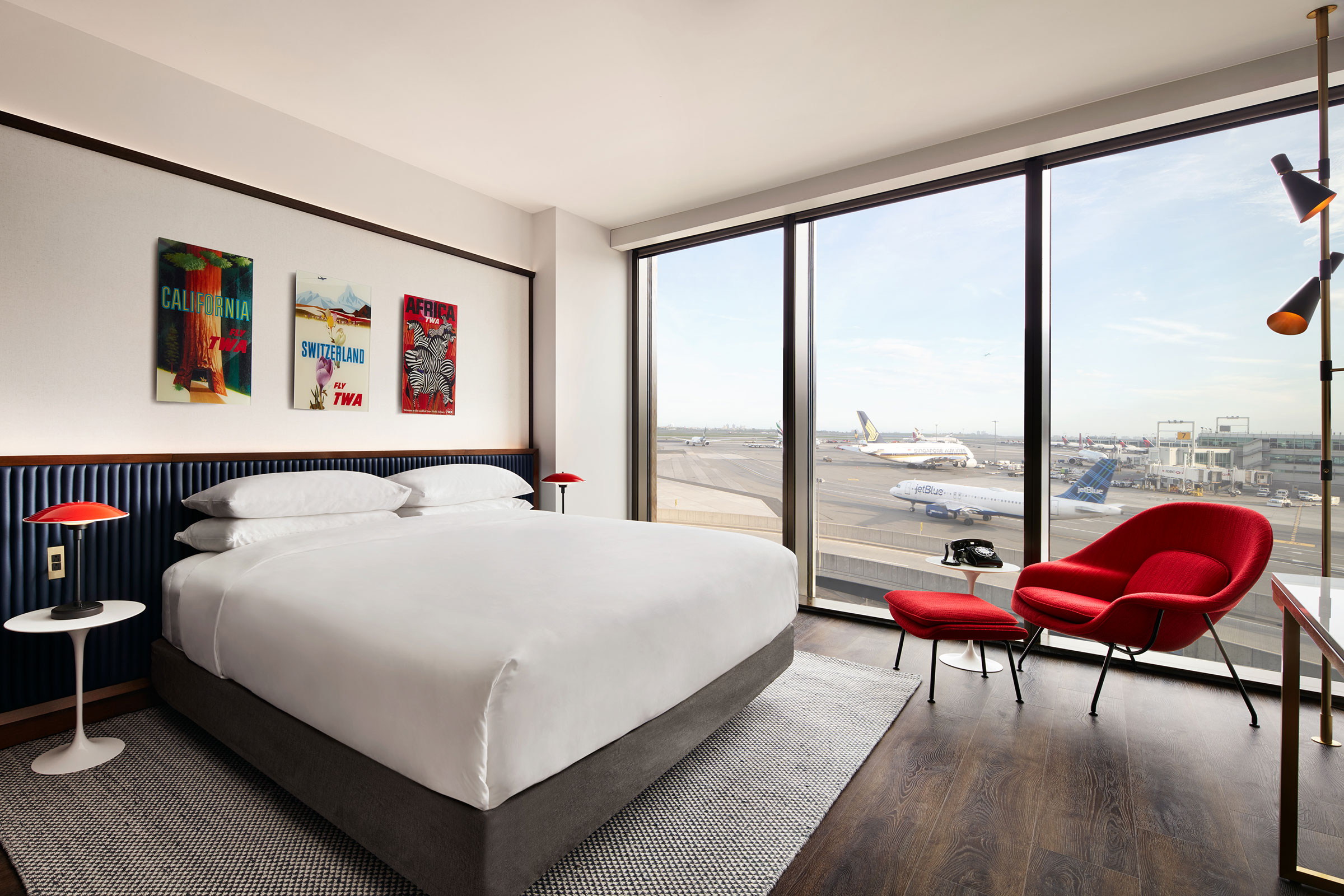 TWA Hotel Deluxe King With Runway View