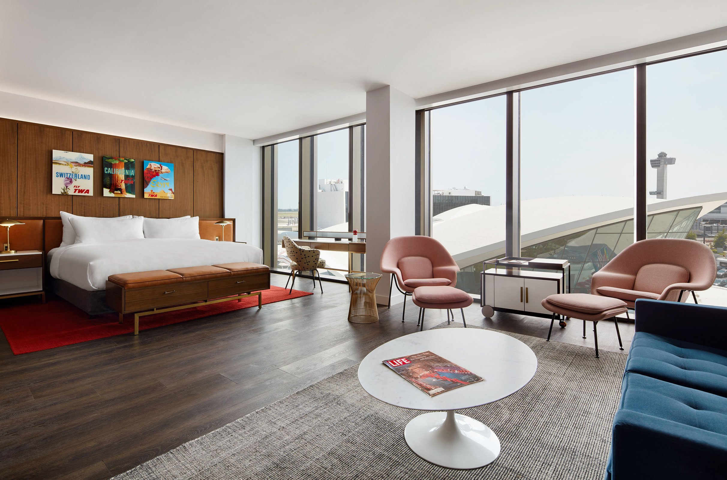 Eero Saarinen Presidential Suite With Historic TWA View