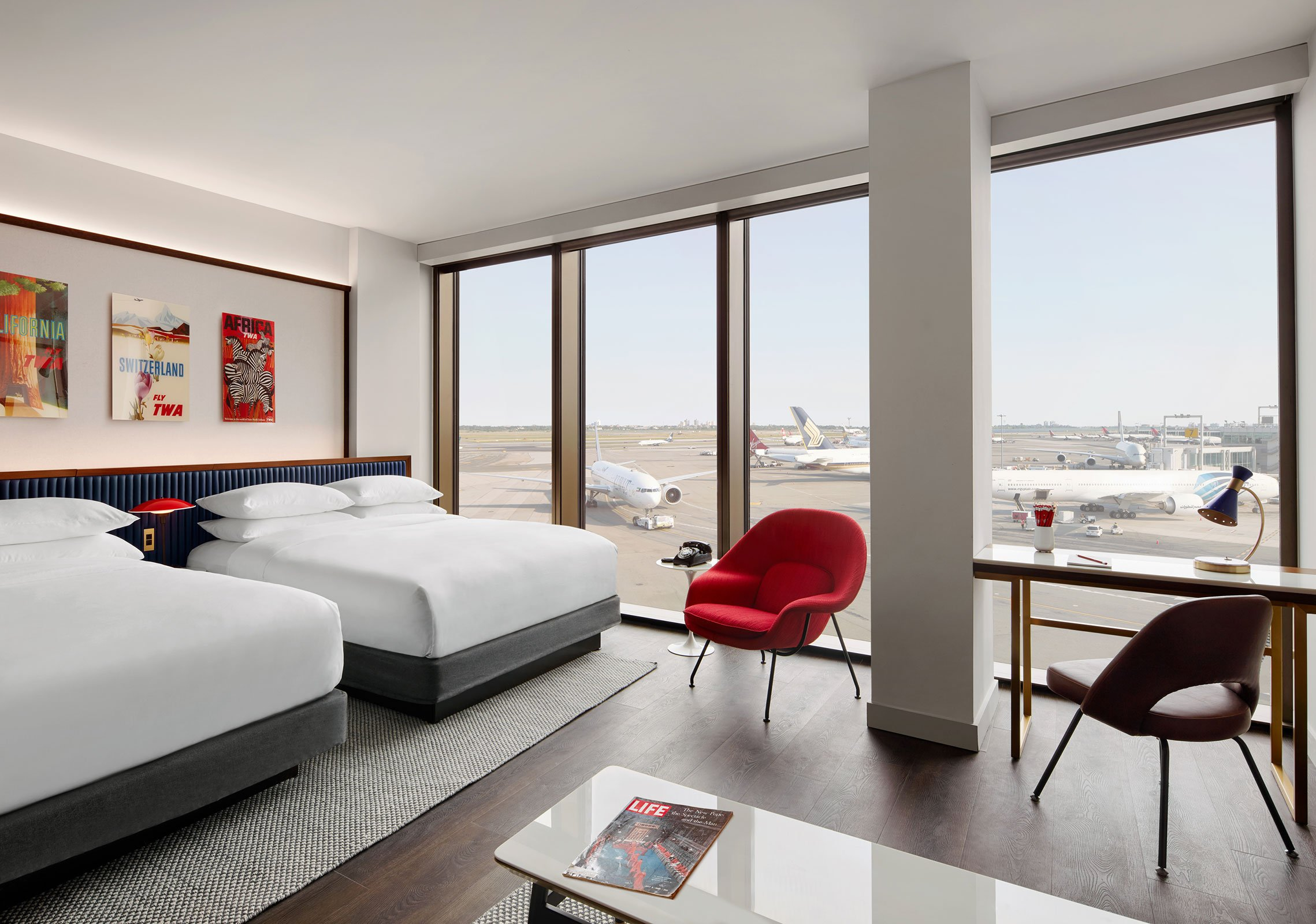Executive Double Queen Suite With Runway View